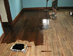 фото Как правильно покрасить деревянный пол