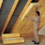 Как правильно утеплить крышу дома: выбираем теплоизолятор