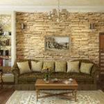 Как искусственный камень может изменить внешний вид гостиной